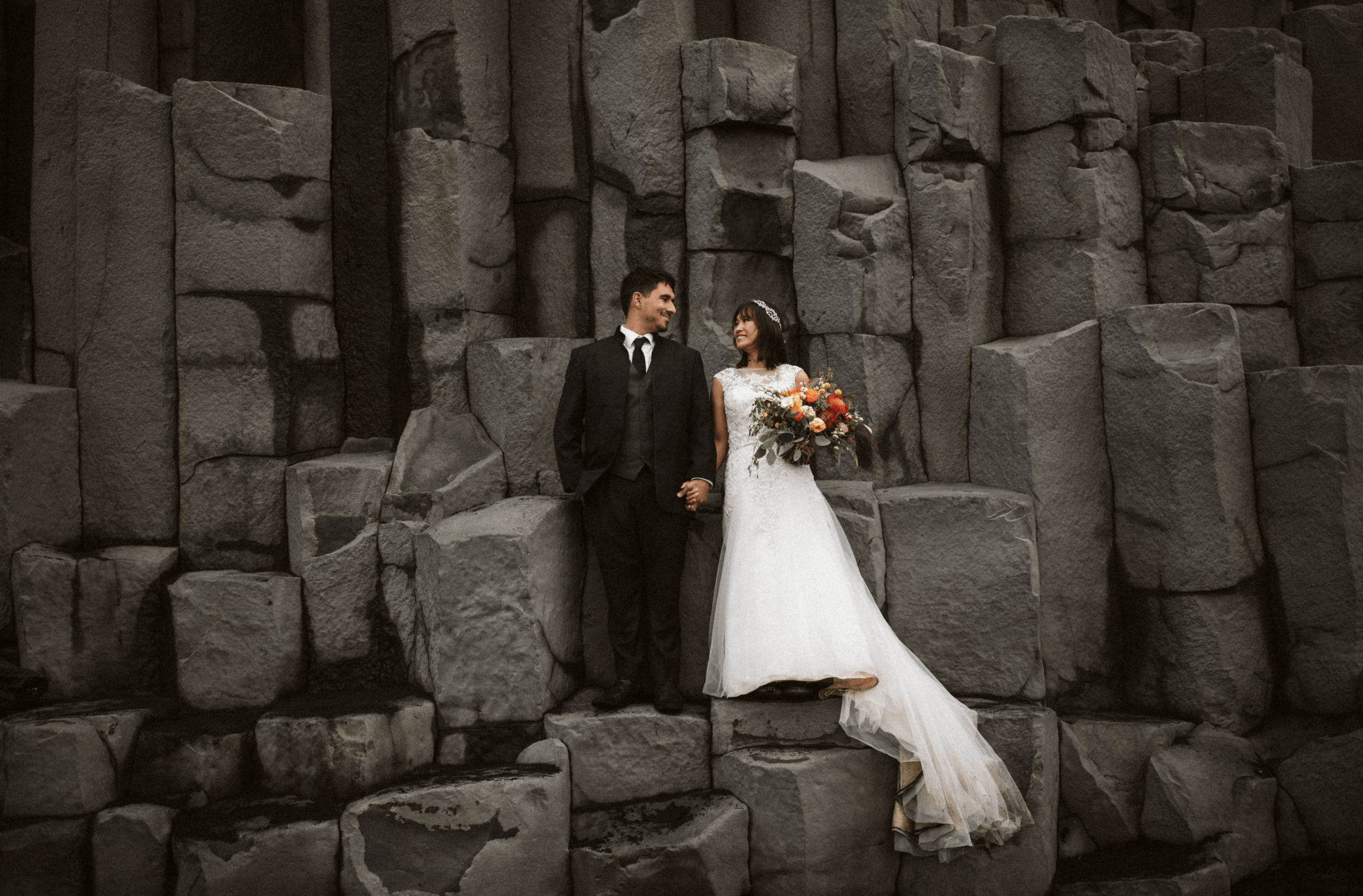 couple eloping at reynisfjara beach in Iceland